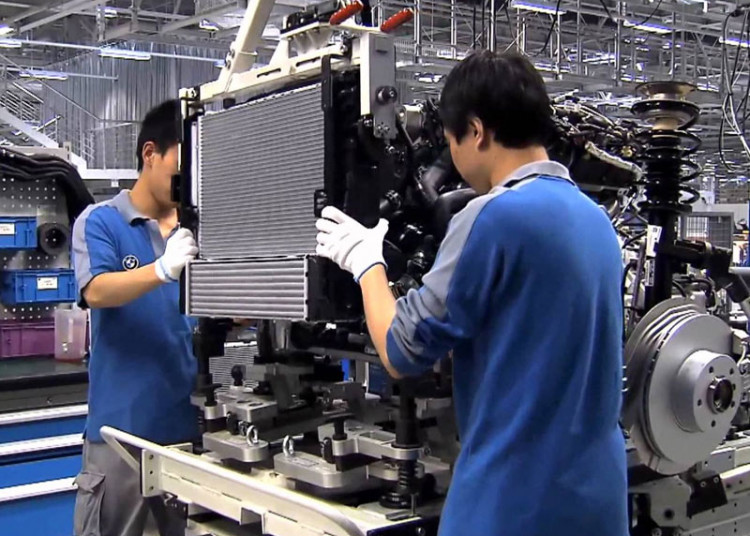 China's Manufacturing Sector Expands in October